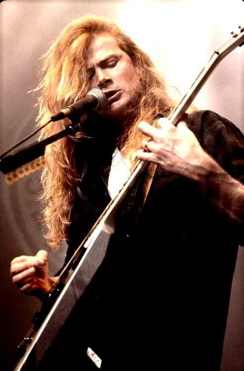 dave-mustaine-dave-mustaine-31417468-493-750